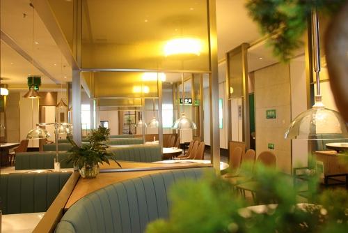 Guangbaishi lighting design case - Foshan youshifang Steamed Fresh Restaurant