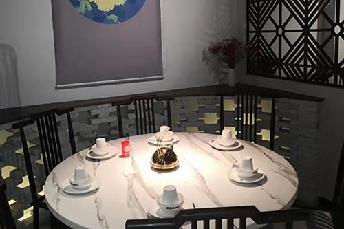 Guangbaishi lighting design case - Guangzhou a Qiang pickled fish